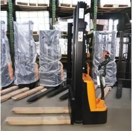 Стакер електрически 1,5 тона / 3,3 метра